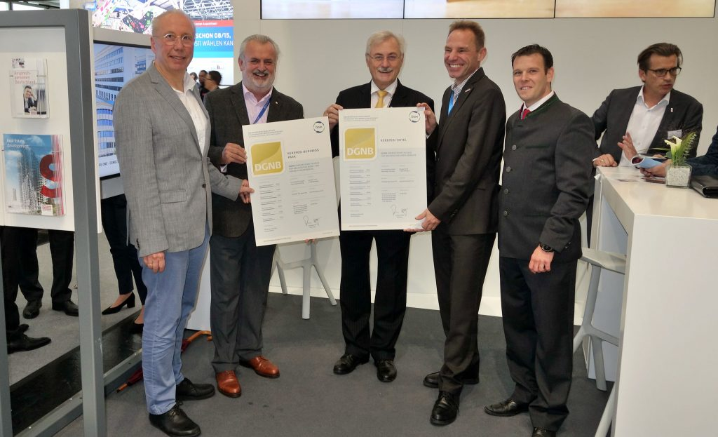 Dr. Thomas Belazzi (bauXund), Peter Engert (GF ÖGNI), Rudolf Riedl (Strabag Real Estate), Andreas Köttl (Präsident ÖGNI), Wolfgang Lukaschek (Ecotech)